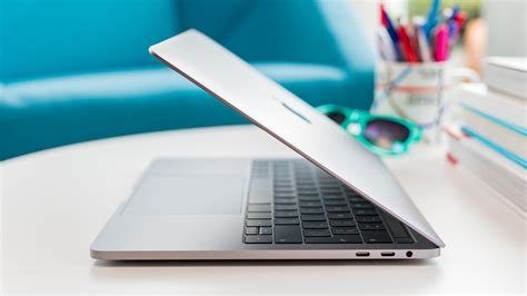 MacBook Air vs MacBook Pro: What's The Difference, And